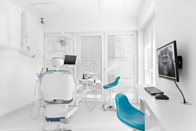 Gabinet nawiąże współpracę z lekarzem dentystą, ortodontą,periodontologiem.
