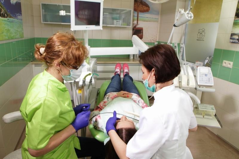 dentysta Gdynia przy pracy