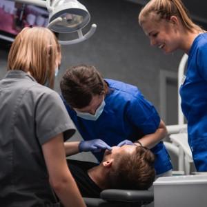 Poszukiwany lekarz dentysta: endodoncja, stomatologia zachowawcza - WROCŁAW